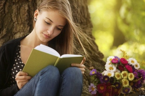 o-TEENS-READING-IN-SUMMER-facebook-600x399.jpg