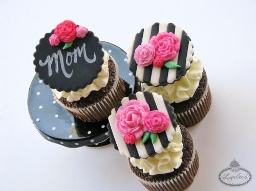 Mothers-Day-Cupcake-Tutorial.jpg
