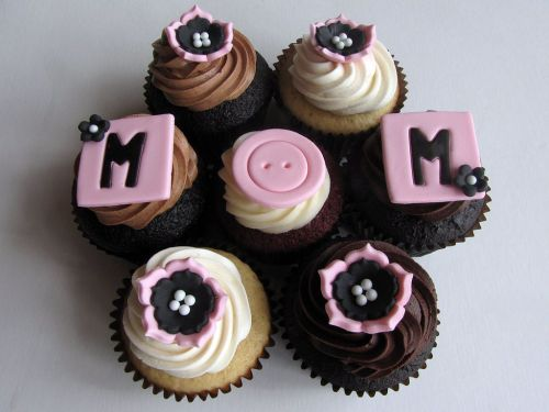 Mother's_Day_Cupcakes_(4592972238).jpg
